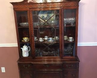 Timeless china cabinet, solid wood, perfect!