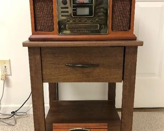 Crosley CR2405B,  Cd player, am/fm radio, turntable and nice side table