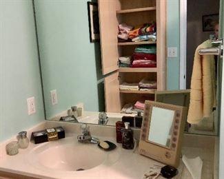 Towels, vintage make-up mirror