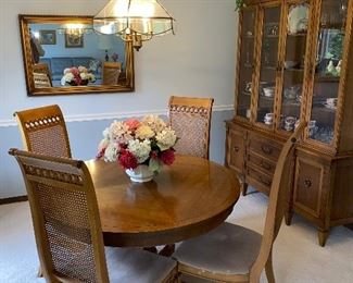DINING TABLE WITH 8 CHAIRS AND LEAVES