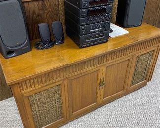 VINTAGE STEREO CABINET AND VINTAGE ELECTRONICS