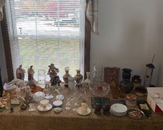 COLLECTIBLES / FIGURINES / VASES