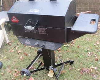 HUNTER GAS GRILL.  NEVER BEEN USED.