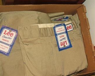 36X31 LEE KHAKI NEW PANTS.