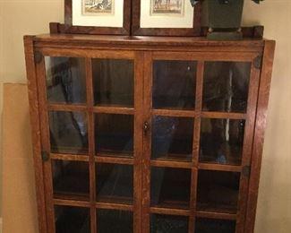 Solid oak vintage bookcase w/window pane glass front doors & 3 shelves