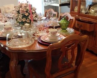 Gorgeous French provincial dining room suit