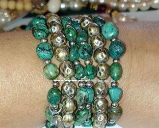 Beautiful vintage turquoise bracelet