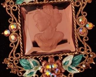 Gorgeous mirror cameo brooch