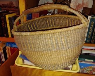Beautiful vintage pine straw basket with leather handle
