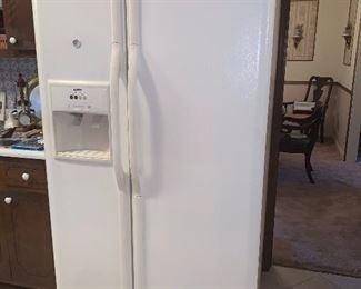 Side by side refrigerator/freezer, Kenmore