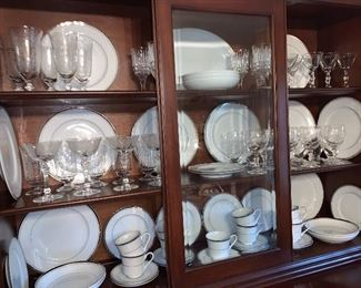 Vintage Wallace Heritage Newport fine China 44 pieces
