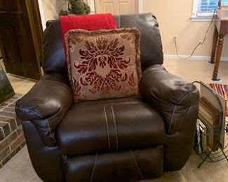 Bonded leather recliner, great condition
