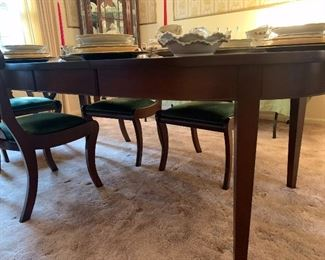 "Dining table with 2 leaves, 90"" max; 58"" without leaves"