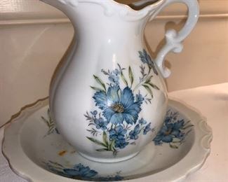 Vintage Inarco Japan bowl and pitcher, hand painted