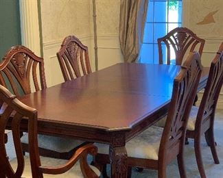 DINING ROOM TABLE W/ SIX CHAIRS