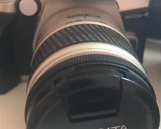Minolta Maxxum 4 35mm camera