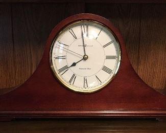 Howard Miller mantel clock w/Westminster chime