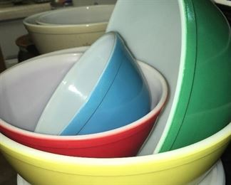 Vintage Primary Color Pyrex mixing bowls