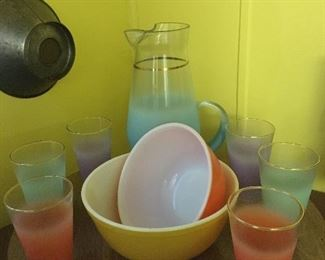 """Vintage WV Glass Co. Blendo frosted pitcher & 6 glasses; vintage Pyrex """"New Multi-colored"""" nesting bowls yellow and red-orange"""