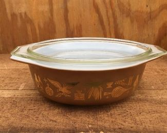 Vintage Pyrex Early American oval baker