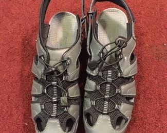 Eddie Bauer water shoes