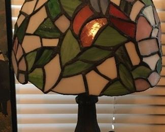 Small stain glass table lamp