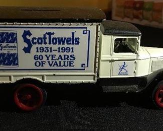 Ertl 1931 Hawkeye truck bank die cast