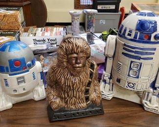 Vintage Star Wars Collectibles Including an Original 1977 R2-D2 Cookie Jar