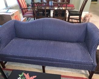 Small entry couch  Good Condition