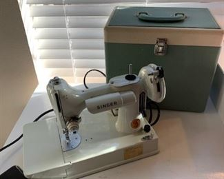 Singer Featherweight sewing machine and Carrying case