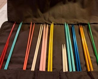 Various sizes of knitting needles