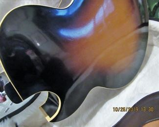 PRE SELLING THE GIBSON $4,200.00 FIRM, TO BUY AND PICK UP CALL JEANETTE, 224.578.1846 THIS IS A CASH ONLY TRANSACTION, VIEWING, AND PAYMENT AVAILABLE IMMEDIATELY TODAY AND THROUGH THURSDAY DURING THE HOURS OF 11 AM TO 2 PM ONLY, MUST HAVEAN APPOINTMENT.MID  50'S ACOUSTIC, ORIGINAL CASE, EXTERIOR The the Guitar does have some  SCRATCHES BUT OVERALL IS GOOD L-4-C/ A-9820 / MADE IN KALAMAZOO MI  a little information about this gibson guitar  Factory Order Number (FON): A-9820 (with hyphen) Construction year: 1952 sequence number: 9820 Model: Hollow body Artist series Manufactured sin Kalamazoo