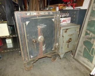 Large Vintage Safe - Medium Size vintage Safe
