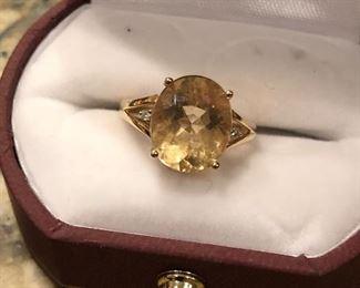 Citron and diamond ring