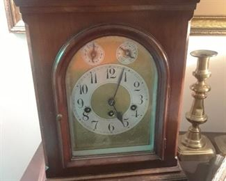 Cased mantle clock, early 1900s, Westminster chimes