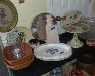 Cake stand, Phaltzgraff serving pieces, Red Rooster, baking items