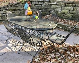 Outdoor Table with 6 Chairs with Decorative  Metal Chicken and Dog