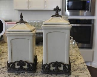 Canisters/decor