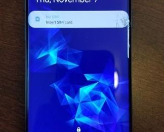 Galaxy S9 phone - cracked on right side of screen (over the white bar)