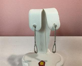18 Karat White Gold and Diamond Drop Earrings