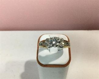 Yellow & White gold diamond ring