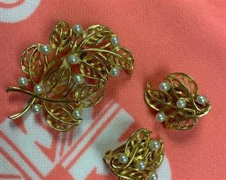 Vintage earring and brooch set