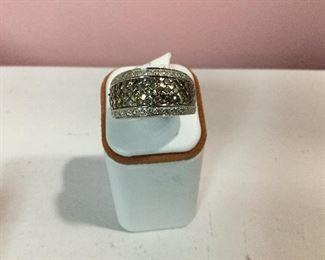 White gold chocolate and white diamond band