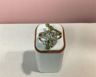White gold, yellow and white diamond ring