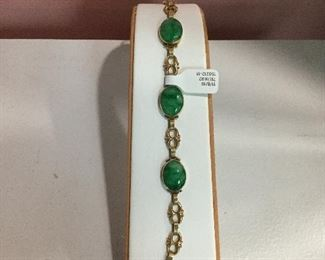 Yellow gold and jade bracelet