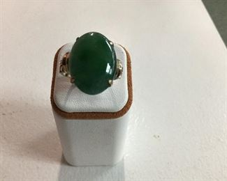 Yellow gold jade ring