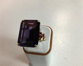 Yellow gold, synthetic color change sapphire and ruby ring