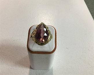 Yellow gold pink tourmaline ring