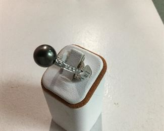 White gold, black south sea pearl and diamond ring