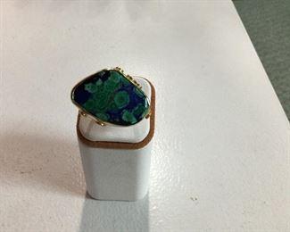 Yellow gold, malachite and azurite ring